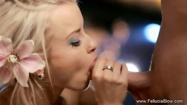 Fantasy Blonde And A Blow