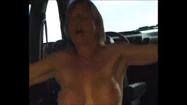 Hot milf anal sex in the car
