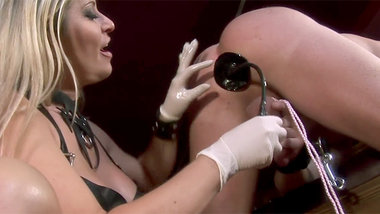 Dominant milf doing all kinds of kinky experiments with her slave