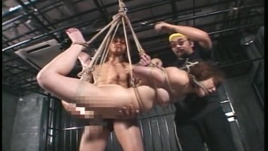 Asian bitch has a bdsm session and she loves the kink