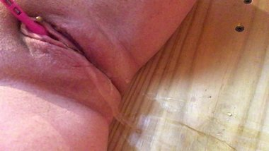 milf cums and squirts twice freakysamantha