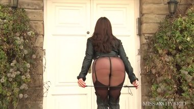 Brunette MILF in leather boots & stockings pantyhose thong is so sensual !