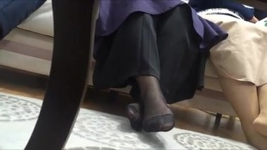 Turkish women candid feet in nylons