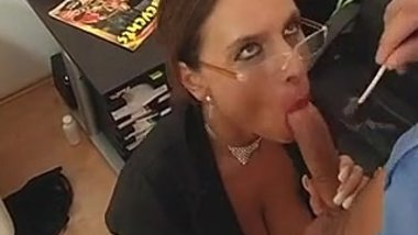 Asian Sexy Susi Deutscher Sekretär Milf