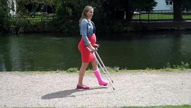 Crutching with broken leg (pink slc, crutches and pregnant)