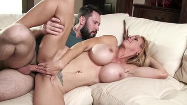 Milf with Huge tits Brooke Tyler
