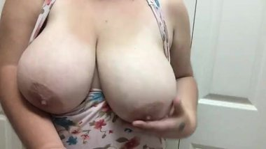 hanging huge saggy tits and big nipples from milf