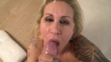 Hot Milf Seduced College Student Cum Swallowing