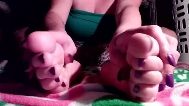 Lotion and massage Purple Toes