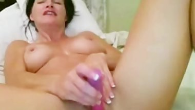 Horny MILF toying her pussy on webcam